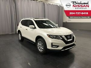 2018 Nissan Rogue SV AWD/Sunroof/Backup cam/HTD Seats