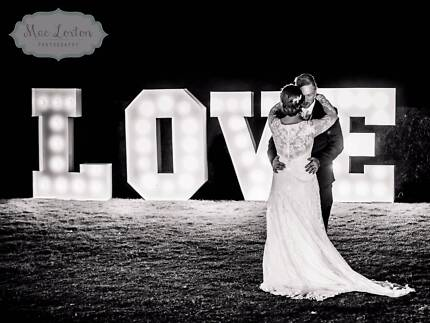 Modern Wedding Photography by Mac Loxton Photography