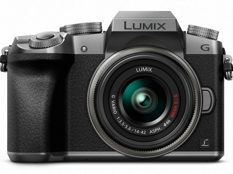 Panasonic G7 Mirrorless Camera with LUMIX G VARIO 14-42mm f/3.5-5.6 II ASPH./MEGA O.I.S. Lens Silver DMC-G7KS
