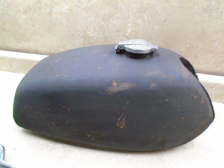 Photo Kawasaki 350 S2 TRIPLE Gas Fuel tank 1972 KB143