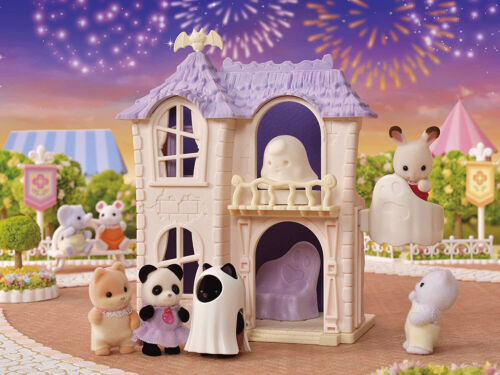 Sylvanian Families Calico Critters Halloween Haunted House Set