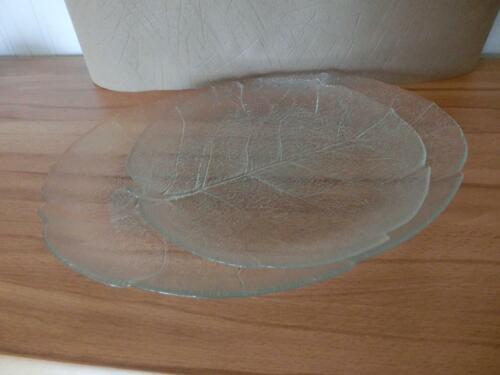 2 Kuchenteller aus Glas die Form wie ein Blatt ----wie neu-------