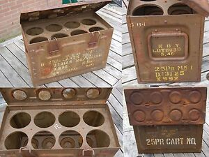 WWII-british-25pdr-C206-shell-case-ammuntion-box-with-rack