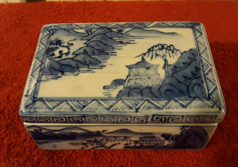 Vintage Blue & White Porcelain Ceramic Trinket Box w/ Lid Asian Village Scenes