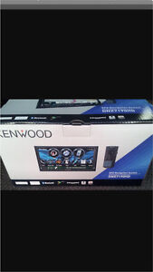 """^** KENWOOD 6.8"""" TOUCH SCREEN NAVIGATION STEREO"""