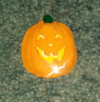 Hallmark Pin Halloween Pumpkin Jack-O-Lantern Tin Vintage Holiday Brooch
