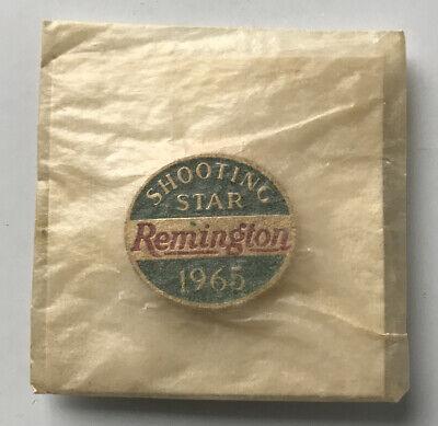 Vintage Remington Peters 1965 Shooting Star Award Pin Hunting Advertising NOS