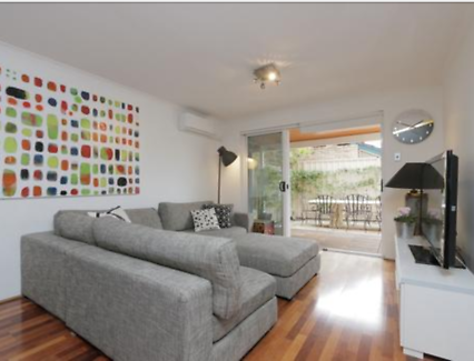 Furnished Room for Rent in lovely apartment in Leederville