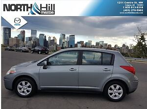 2008 Nissan Versa Hatchback - Excellent Condition W/Winter Tires