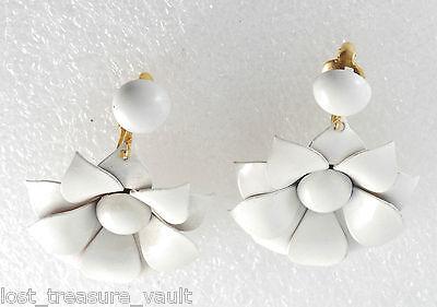 Vintage Pair White Metal 1960's Flower Clip On Earrings Jewelry