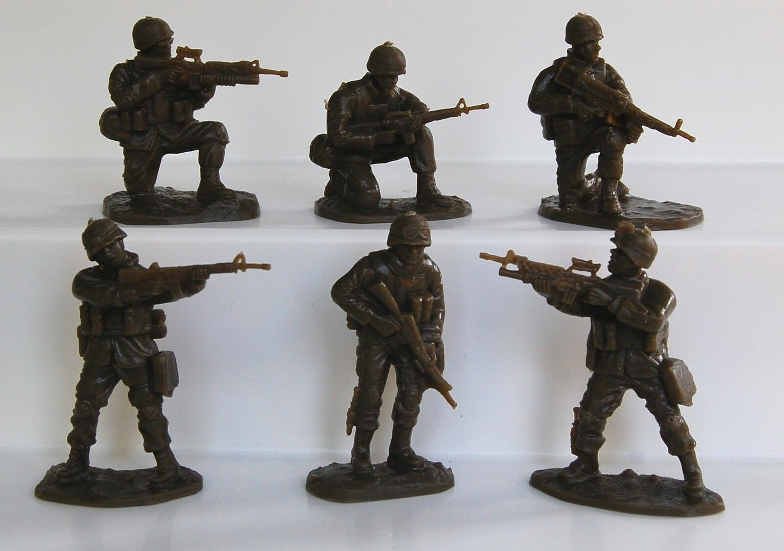 18 American Modern Armies In Plastic Soldiers Army Men 5581 1/32 Scale (54mm)