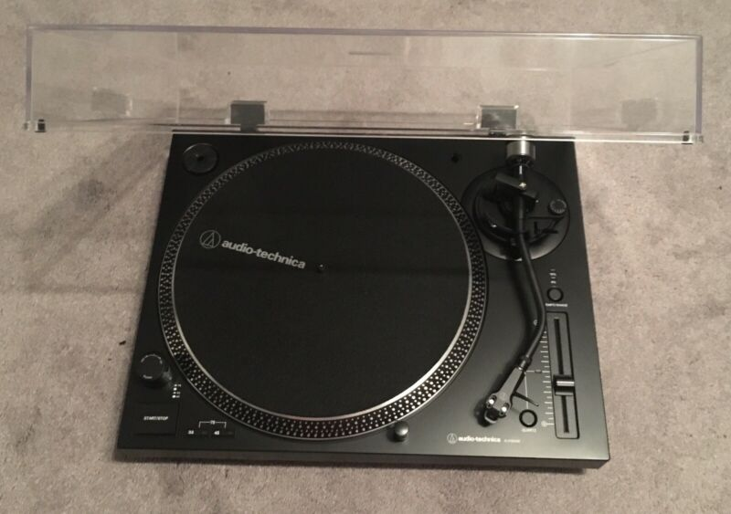 Audio Technica Turntable AT-LP120XUSB