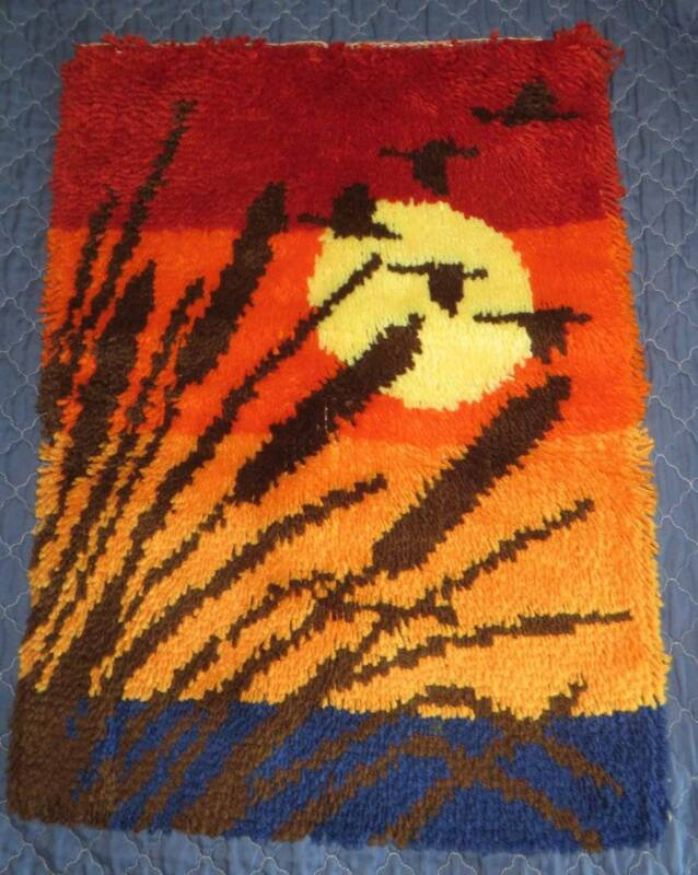 "VINTAGE 1970s/1980s COMPLETED Finished Sunset Latch Hook Yarn RUG 19"" x 27"""