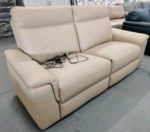 Electric leather reclining 2 seater - 60% off RRP Eumemmerring Casey Area Preview