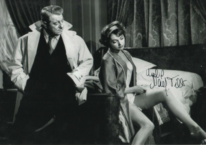 "Nadja Tiller ""The Night Affair"" Autogramm signed 20x30 cm Bild s/w"