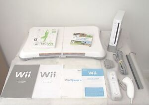 Wii-CONSOLE-Wii-FIT-52-GAMES-AND-ACTIVITIES-INCLUDING-A-FREE-YEARS-WARRANTY