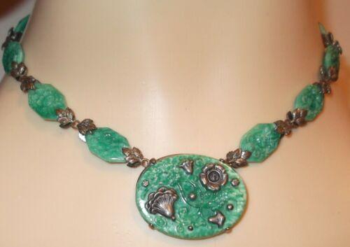 RARE VTG ART DECO SIGNED CZECH JADE GREEN FLOWER GLASS MOLDED NECKLACE CHOKER