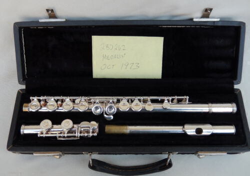 F.A. Reynolds Medalist Flute w/Case