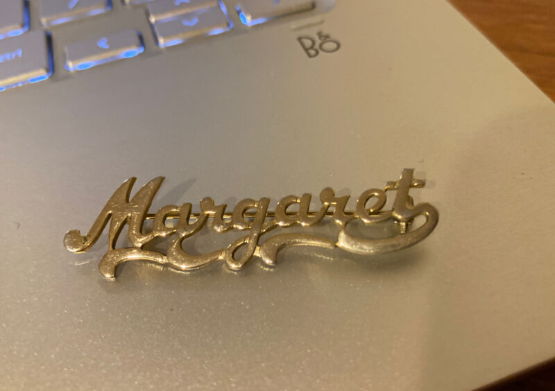 "Pretty Vintage Cursive Name Pin Brooch ""Margaret"" MARGARET Gold Tone RARE"