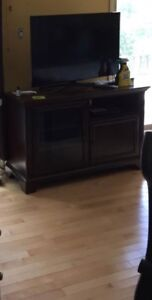 Gorgeous TV stand, sitting in storage - must go!