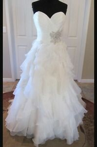 Allure Wedding Dress with Crystal straps size 12 (8)