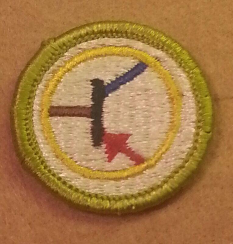 BSA ELECTRONICS Merit Badge Type H (1972-02) PLASTIC BACK  A00085