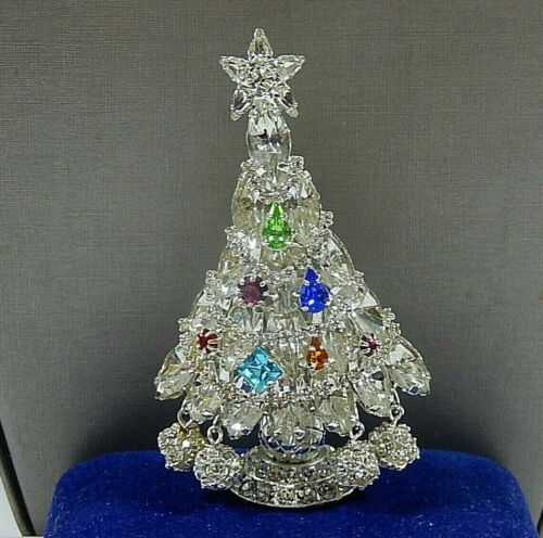EXCEPTIONAL CHRISTMAS TREE PRONG SET RHINESTONE & RHINESTONE BALL DANGLES PIN