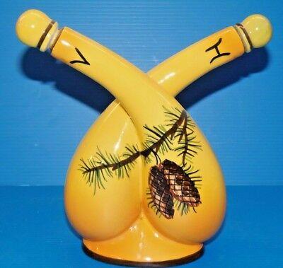 Joli huilier vinaigrier en ceramique jaune décor pommes de pin signé teis table