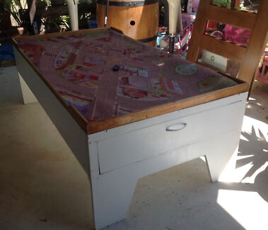 Kids play table  Balmoral Brisbane South East Preview