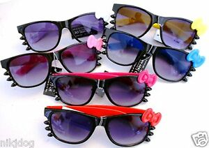 Hello-Kitty-Sunglasses-Black-Frame-and-Whiskers-Colored-Bows-and-Arms