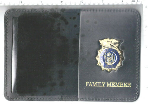 New York City Police Inspector Mini 1-inch Pin Family Member Book Wallet