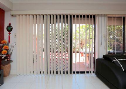 Vertical Blinds - 7 windows + Box frame
