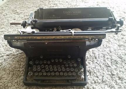 Authentic Underwood Typewriter from 1890s (Canadian)