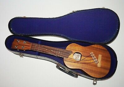 "Vintage Hawaii Koa Wood Kamaka Ukulele 20.75"" in Case - needs Repair (FLf)"