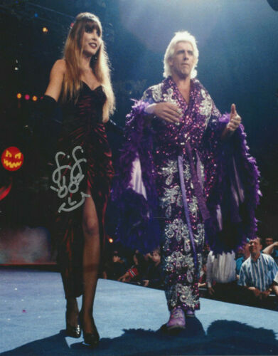 WWF Diva FIFI The Maid Wendy Barlow - Ric Flair's wife autographed  8x10  photo