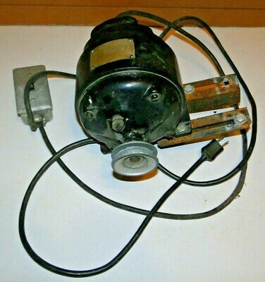 Electric Motor. 14 Hp 1725 Rpm 110 Volt 5.3 Amps Style 495324 Serial 5296398
