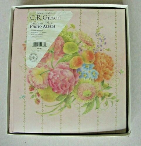 """CR GIBSON MAGNETIC PAGE PHOTO ALBUM """"SECRETE GARDEN""""  36 PAGES NEW"""