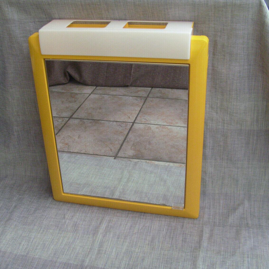 Alibert 12923 Badezimmerschrank Spiegelschrank  mit Beleuchtung  Dottergelb 70er