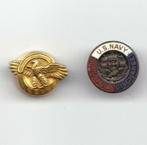 U.S. Navy WWII era Honorable Discharge & Ruptured duck Button hole lapel