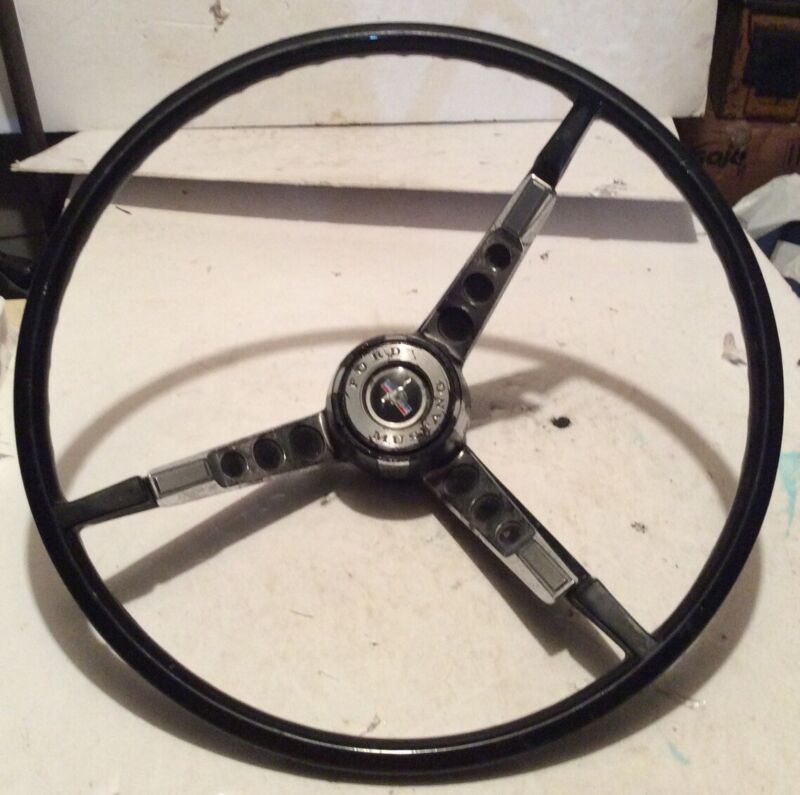 COLLECTIBLE VINTAGE CAR STEERING WHEEL FORD MUSTANG CRHOME WITH RIVETE