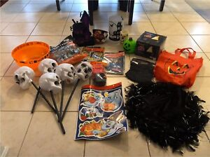 HALLOWEEN SET=DECORATIONS AND MORE