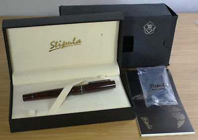 RARE Stipula Novecento Red & Black Woodgrain Ebonite Fountain Pen 18K Broad Nib