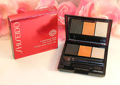 (New Shiseido Luminizing Satin Eye Color Trio OR302 .1oz 3g Grey Orange Highlight)