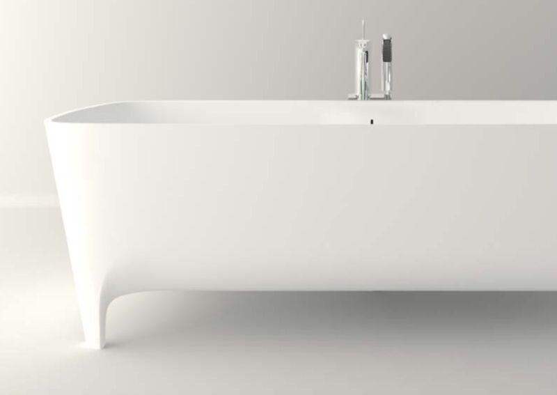 Free-standing Teuco Bathtub
