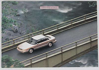 Oldsmobile 1995 Catalog Sales Brochure / Literature