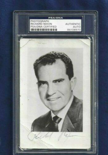 Richard Nixon Autographed Postcard Photo PSA SLABBED United States President