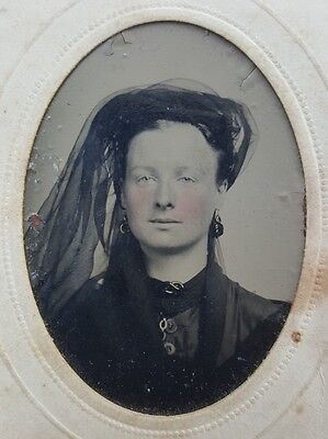 ANTIQUE VICTORIAN FASHION HAT ARTISTIC BROOKLYN NY AMERICAN GIRL TINTYPE PHOTO