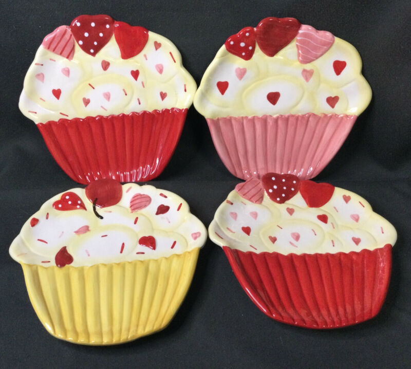 Jo-Ann Holiday Inspirations Plate Cupcake Hearts Valentines Set of 4  New