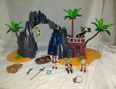 PLAYMOBIL 6679 Pirate Treasure Island Playset with Lockable Jail Cell and Caves