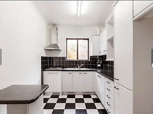 Chapel street location, apartment rent for one month Prahran Stonnington Area Preview